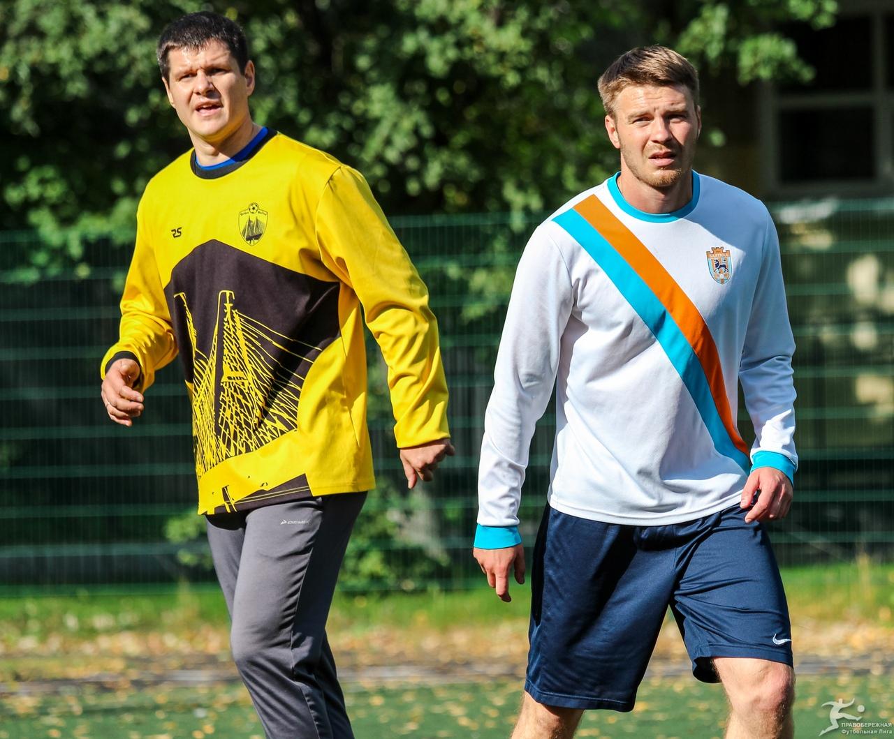 Станислав Сосненко (Совхоз Юнайтед) и Денис Шубин (Балтика)