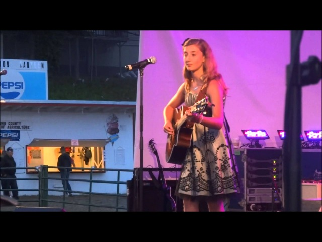 Makayla Lynn opening for Kira Isabella and Chad Brownlee and performing for Scott Brison MP