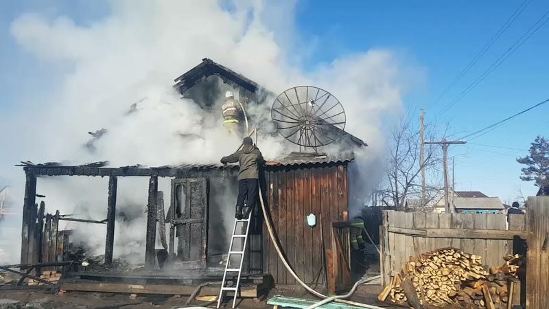 В огне сильно пострадили жильцы дома