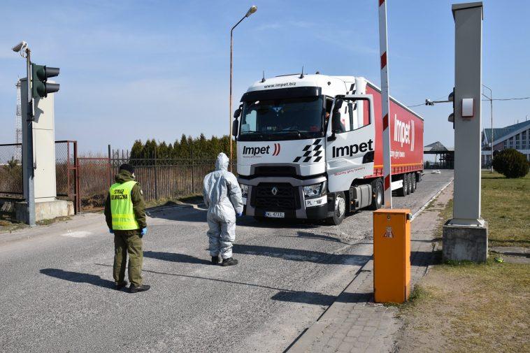 Польша вновь продлила закрытие границ из-за COVID-19. До 3 мая