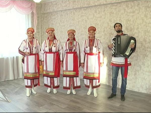 Мордовский народный вокальный ансамбль Эрзяночка Селей пандолга
