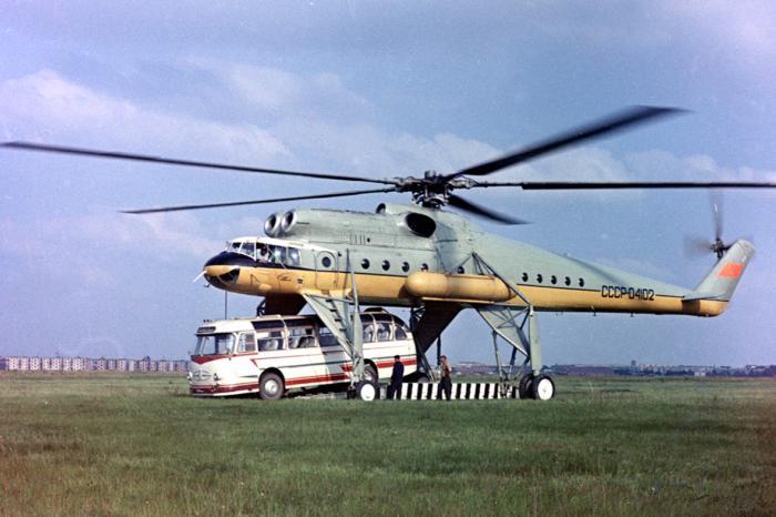 Грузовой вертолет Ми–10 СССР–04102, СССР, 1966 год.
