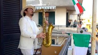 """Bella Ciao"" - BALCONY SAX PERFORMANCE in ITALY"
