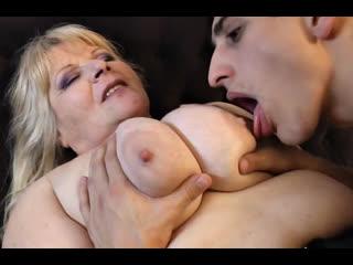 ПОРНО -- ЕЙ 56 -- ТОСТАЯ СТАРУХА НЕ ПРОТИВ ПОТРАХАТЬСЯ С МОЛОДЫМ СОСЕДОМ -- mature gilf granny porn bbw -  Leona C