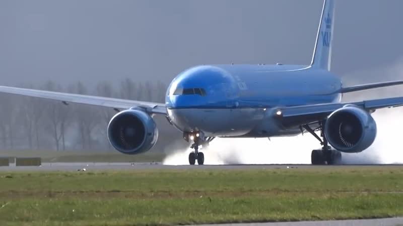 Завораживающий взлёт Boeing 777-200ER