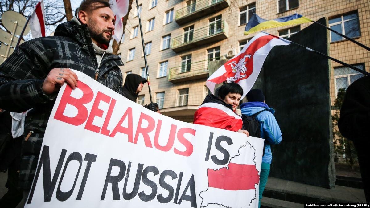 Русская позиция должна быть: за единое русское государство