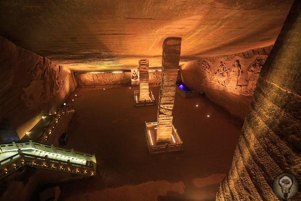 Загадка древних китайских пещер Лунъю В провинции Чжэцзян восточного округа Цюйчжоу Китайской народной республики в 1992 году были случайно найдены пещеры Лунъю, которые до сих пор остаются