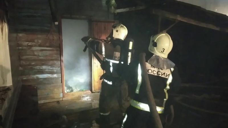 Видео на пожаре в Казани получили ожоги двое взрослых и девятилетний мальчик