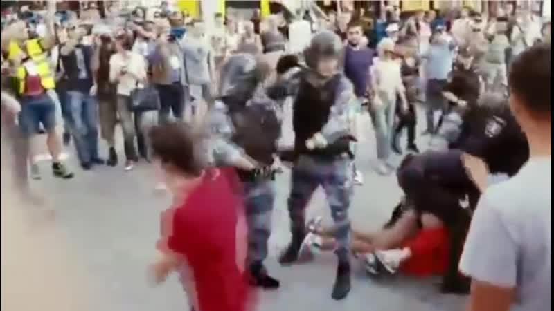 В. Сурков и описываемые им военно-полицейское государство и, конечно же, тот самый - глубинный народ