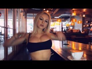 YesBabyLisa - Sexy Big Boobs Model Gets Naked in Coffeeshop
