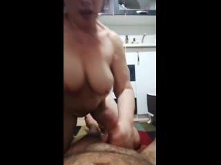 olgun teyze sikicisini eliyle bosaltiyor - turk #porno #ifsa