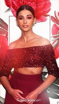 Голая Наоми Скотт (Актриса)