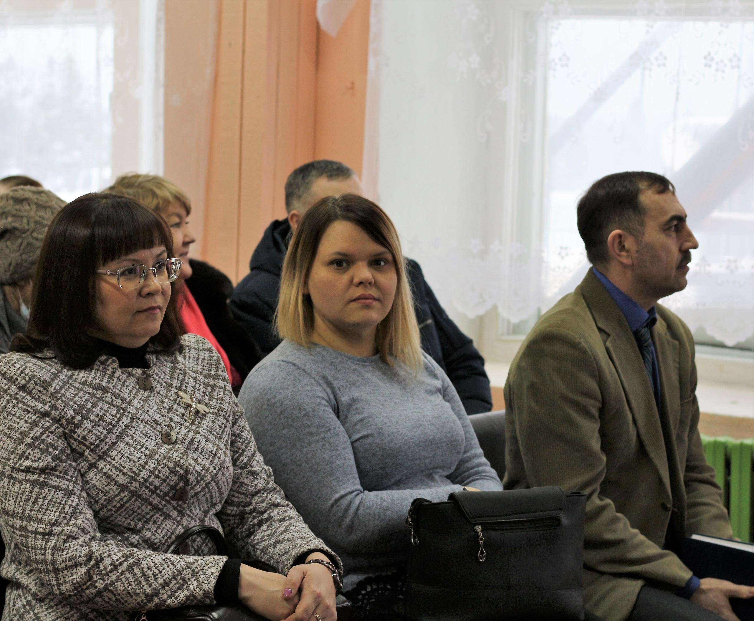 Продолжаются встречи руководителя администрации с населением. Очередная встреча прошла в СП «Большая Пысса»