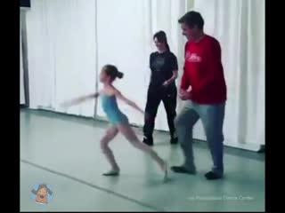 Папы на уроке балета у дочек