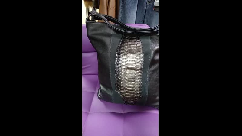 Оригинальная сумочка из устаревшего кожаного плаща