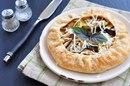 Осенняя выпечка с баклажанами: 5 лучших рецептов