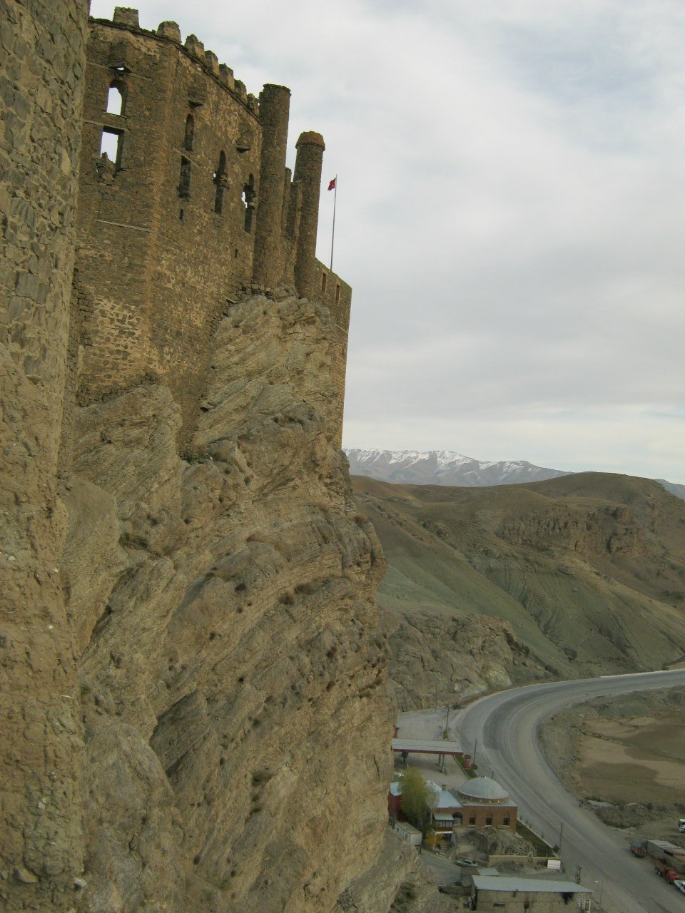 Крепость Хошап по дороге в Башкале