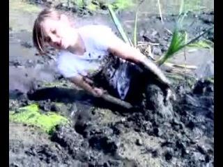 Sexy skinny girls in mud