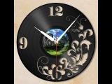 Часы из старых пластинок.