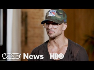 This Megachurch Pastor Wears Supreme And Is Friends With Justin Bieber (HBO)