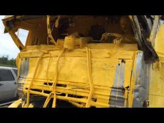 Yellow driver — Желтое ДТП или Золотой человек: фура въехала в грузовик с желтой краской!
