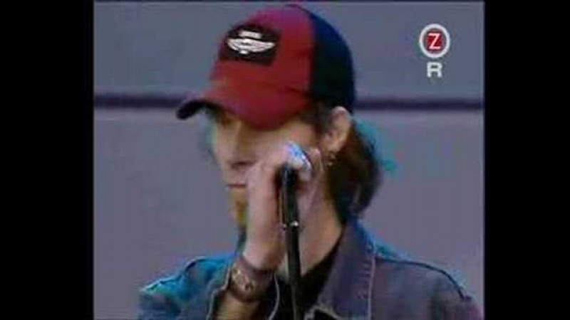 Queens of the Stone Age - Auto Pilot (Live at Hultsfred 2003)