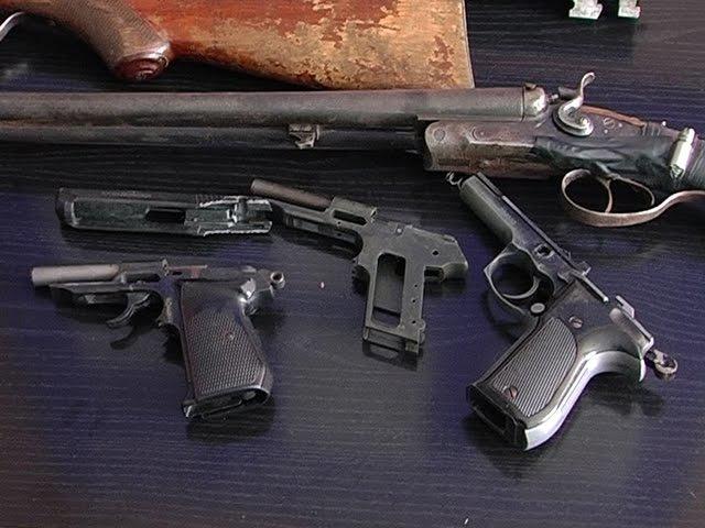 На Ивано Франковщине в милицию сдали раритетное оружие Маузер 1937 года выпуска
