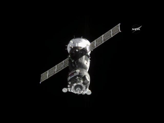 Soyuz TMA-18M Docks to Space Station