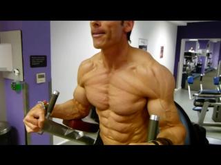 Самый рельефный спортсмен. Супер пресс Бодибилдинг, мотивация, пауэрлифтинг, качалка, тренировки, трени, тренинг, накачать,спорт