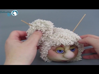 МК Как сделать паричок для авторской куклы из вязаного полотна
