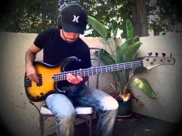 Miki Santamaria Fingerstyle Bass Solo Modulus Flea Bass Funk Unlimited With TABS