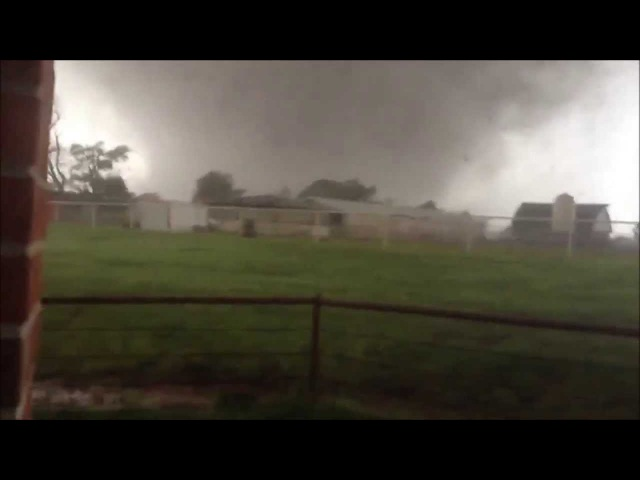 EF5 Moore Tornado Comes Close to The House