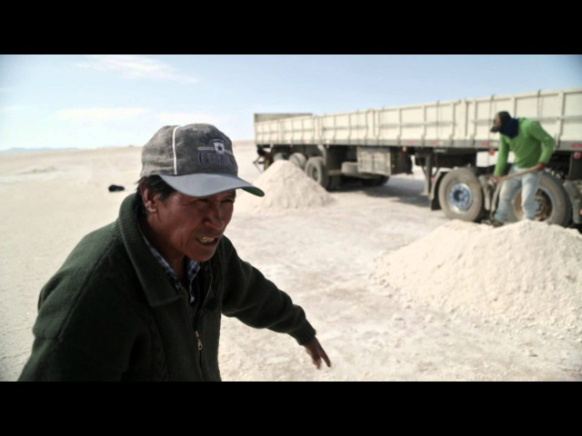 Volvo Trucks Working in the world's largest salt desert Driver's World E01