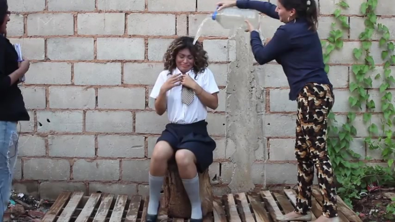 Andreina receives a punishment for not studying for the exam