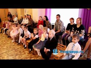 Максим Кочетков с дочуркой Настей показали новую модель кормушки для птиц.