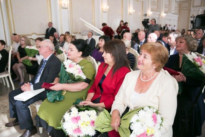 Награды за вклад в развитие КЧР получили трое жителей Зеленчукского района
