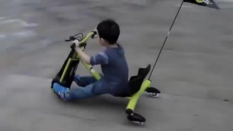 Детский электроскутер для дрифта