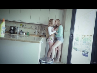 Alexis Crystal  Lucy Heart - Lovely [Lesbian, Artporn]