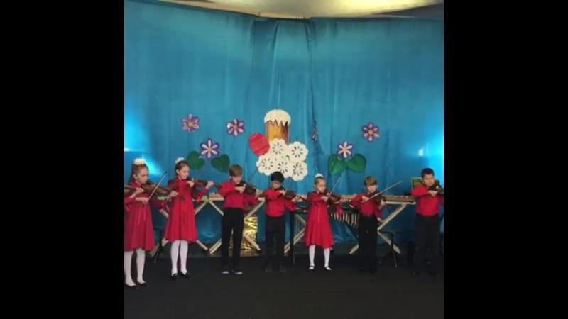 Алдан2018 Пасхальный фестиваль Вот так они играют наши маленькие скрипачи соловушки Учитель Плиева Шахрай Надежда Владимиро