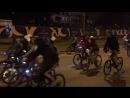 ночной велопробег мимо квартала «Литератор» под музыку саксофона