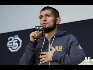 Российский чемпион UFC Хабиб Нурмагомедов встречается с болельщиками