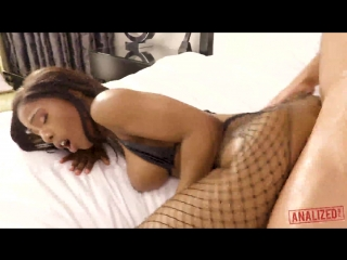 Sarah Banks – Takes White Cock Deepd In Her Ass [Analized. HD1080, Anal, Big Ass, Ebony, Stockings,T