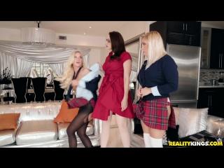 Bailey Brooke, Chanel Preston, Daisy Lynne (Stepdaughters Dirty Friend)[2018, MILF & Teen, Threesome, Lesbians, HD 1080p]