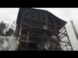 Сегодня ночью в Сочи произошел крупный пожар. Пока известно о 8 погибших. Сгорел дом, расположенный рядом с морем