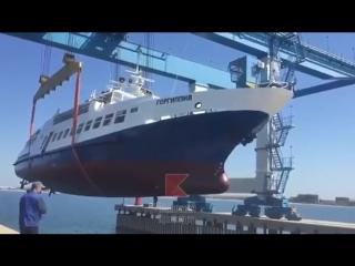 Спуск судна в Анапе