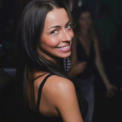 Лена Гудкова