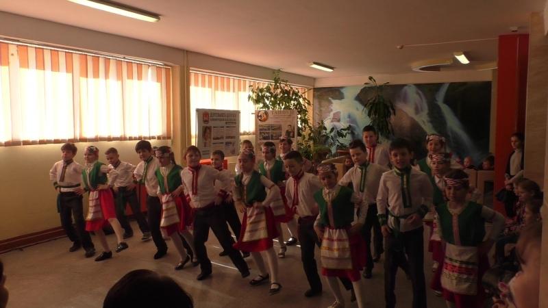 Беларусский танец. Выступление на ВЫБОРАХ 2018 в МАОУ СОШ №6 с УИОП г.Калининграда 18.03.2018