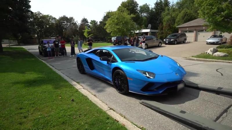 Delivery of a 2018 Lamborghini Aventador S Coupe in Blu Nila