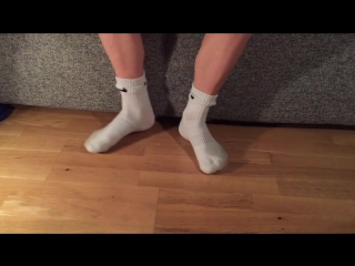 How to wear your football socks