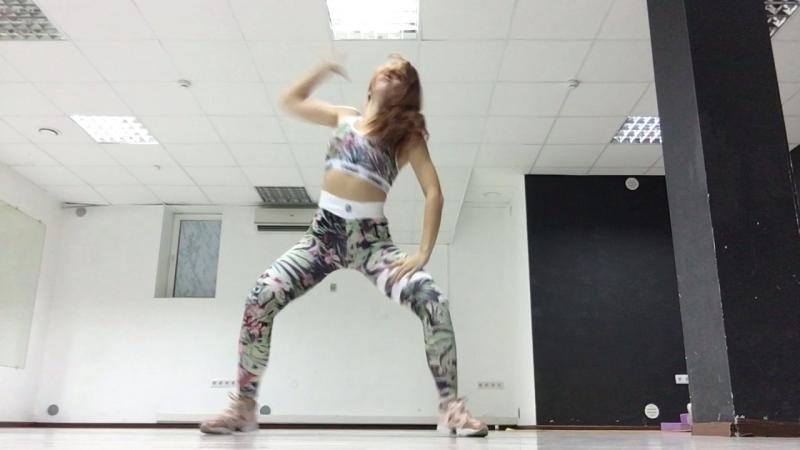 TWERKFemale dancehall студия танца X-Revolution